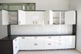 mobilier-birou_loc-de-luat-masa