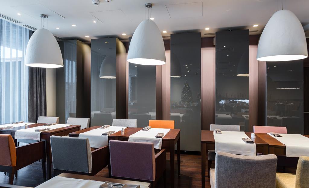 mobilier restaurant bistro amenajare completa hoteluri idezio. Black Bedroom Furniture Sets. Home Design Ideas